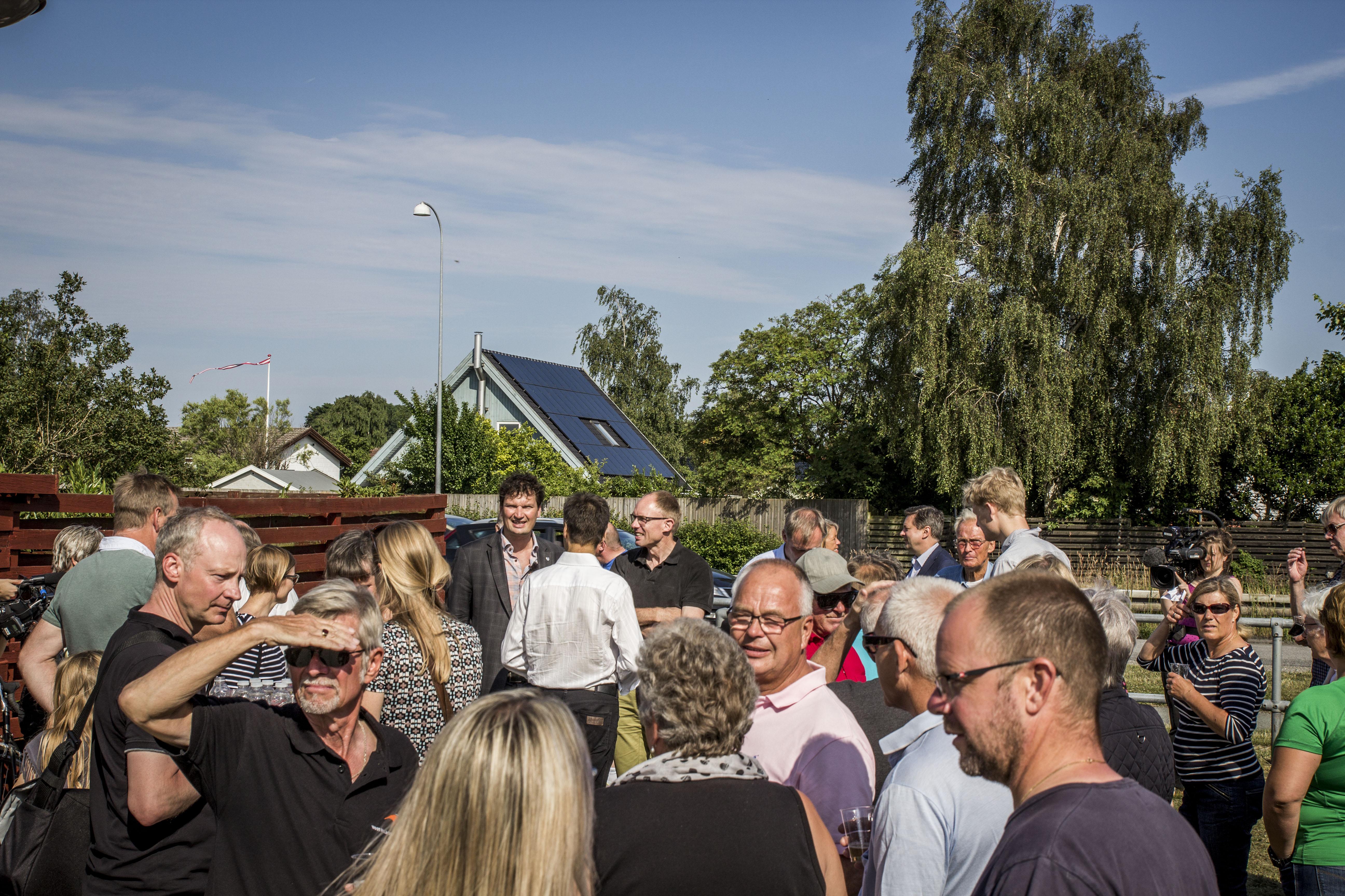 Indvielsen af miljøskærm i Vallensbæk