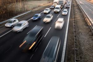 Nyt autoværn sænker støj fra trafikken