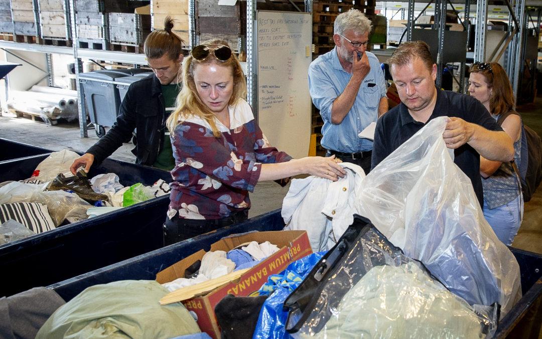 Kasseret tøj bliver til byggemateriale
