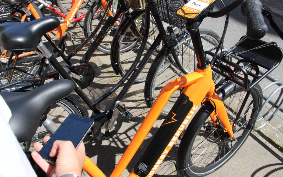 Glostrup er første kommune i landet, som afprøver de orange elcykler