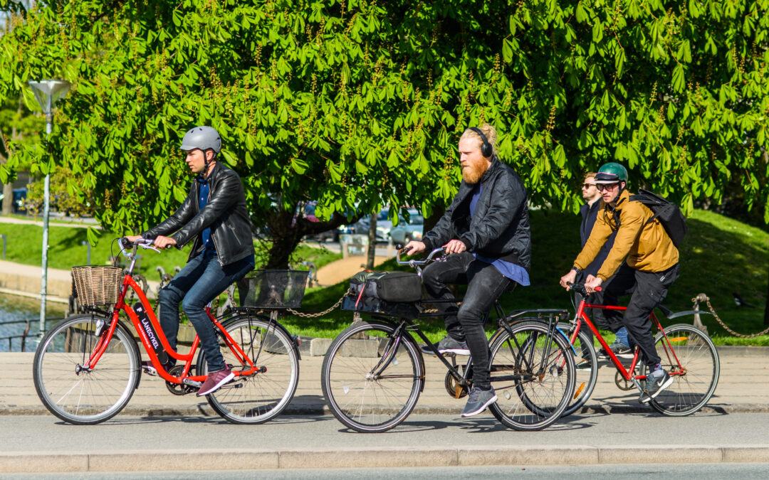 Medarbejdere hopper på cyklen og får kontant bonus